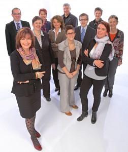 IHK Südl. Oberrhein: Die Mitarbeiterinnen und Mitarbeiter des IHK-BildungsZentrums Südlicher Oberrhein entwickeln passgenaue Qualifizierungswege. Ganz vorne die Leiterin Monika Setzler.