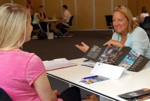 Beim Speed-Dating spezial präsentieren Personalverantwortliche Unternehmen und Ausbildungsangebote.