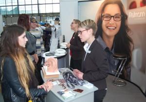 Intensive Gespräche, Berufe zum Anfassen, Mitmachen und Ausprobieren unter fachkundiger Anleitung: die Messe Einstieg Beruf in Karlsruhe mit neuem Besucherrekord.