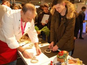 : Mit fachkundiger Anleitung wird's eine Brezel – die Bäcker luden zu Handarbeit ein.