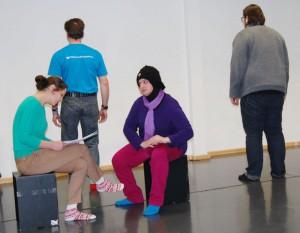 Skepsis und Hoffnung, beides thematisieren Langzeitarbeitslose in einem selbst entwickelten Theaterstück.