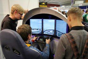 Immer eine Attraktion: der Flugsimulator von PFW Aerospace Speyer.