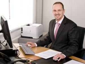 Dr. Patrick Jakob verantwortet den Bereich Bildung bei der<br />Handwerkskammer Karlsruhe und ist seit Frühjahr 2012 Vorsitzender des regionalen Netzwerks Fortbildung.