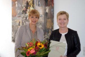 Brandenburgs Wissenschaftsministerin Dr. Martina Münch (l.) hat Prof. Dr. Ulrike Tippe zur Präsidentin der Technischen Hochschule Wildau bestellt. © MWFK