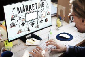 BU: Das Online-Marketing wächst und mit ihm der Bedarf an qualifizierten Fachkräften.