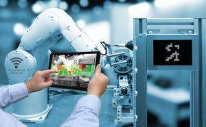 Vernetzung der Produktion: Für die Industrie 4.0 müssen Fachkräfte qualifiziert sein.