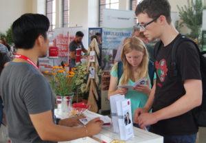 startklar Mannheim: Informationen und Anschauungsmaterial für Ausbildungs- und Studieninteressierte, hier bei der Stadt Mannheim im vergangenen Jahr.