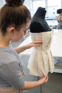Für kreative Köpfe: Modeschule und Grafikdesignschule Manuel Fritz