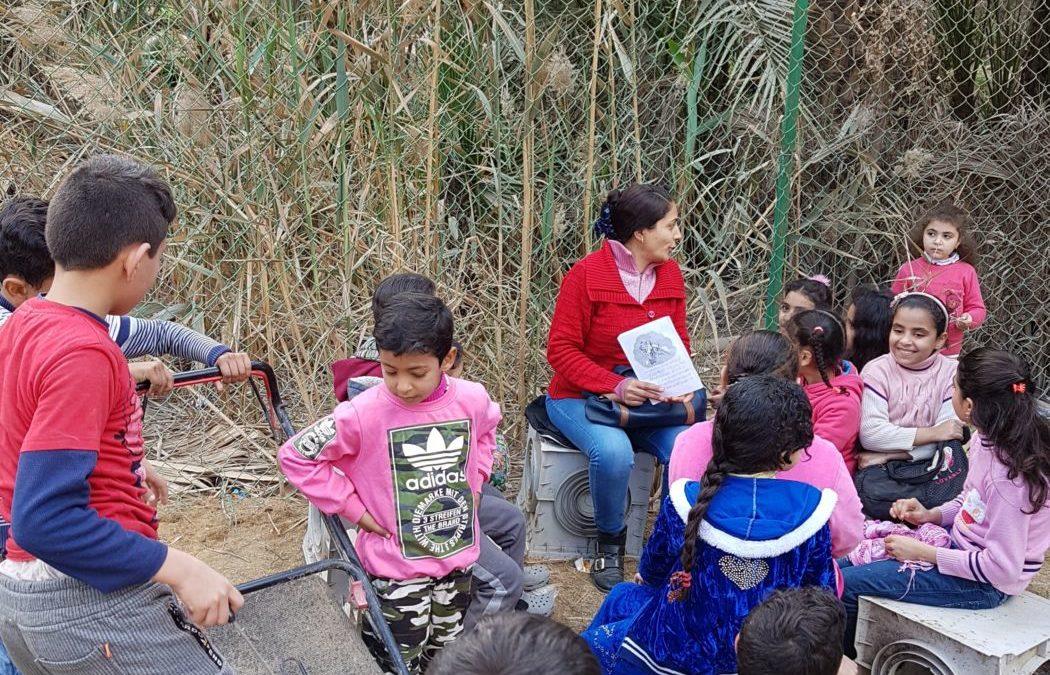 """Kairos Kinder der Müllstadt:""""Speak English with me, please!"""""""