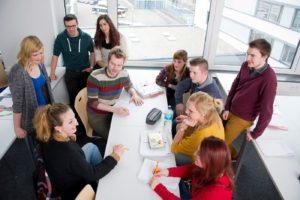 Auszubildende am Heidelberger Fachschulzentrum der F+U.