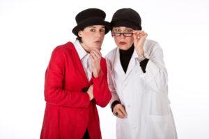 Sonja Hilsenbek (links) und Iréne Greiner. Foto: das-theatermobil.de
