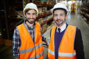 Lohnt sich auch fürs Unternehmen – Arbeiter ohne Abschluss können in nur einem Jahr berufsbegleitend zur Fachkraft für Lagerlogistik qualifiziert werden. <br /> <i>© Adobe Stock | pressmaster</i>