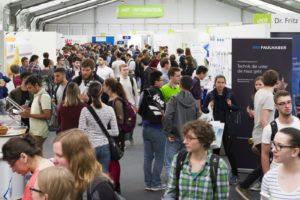 Treffpunkt für Studierende und Unternehmen: die KIT-Karrieremesse. Foto: Anastasiya Sultanova, KIT