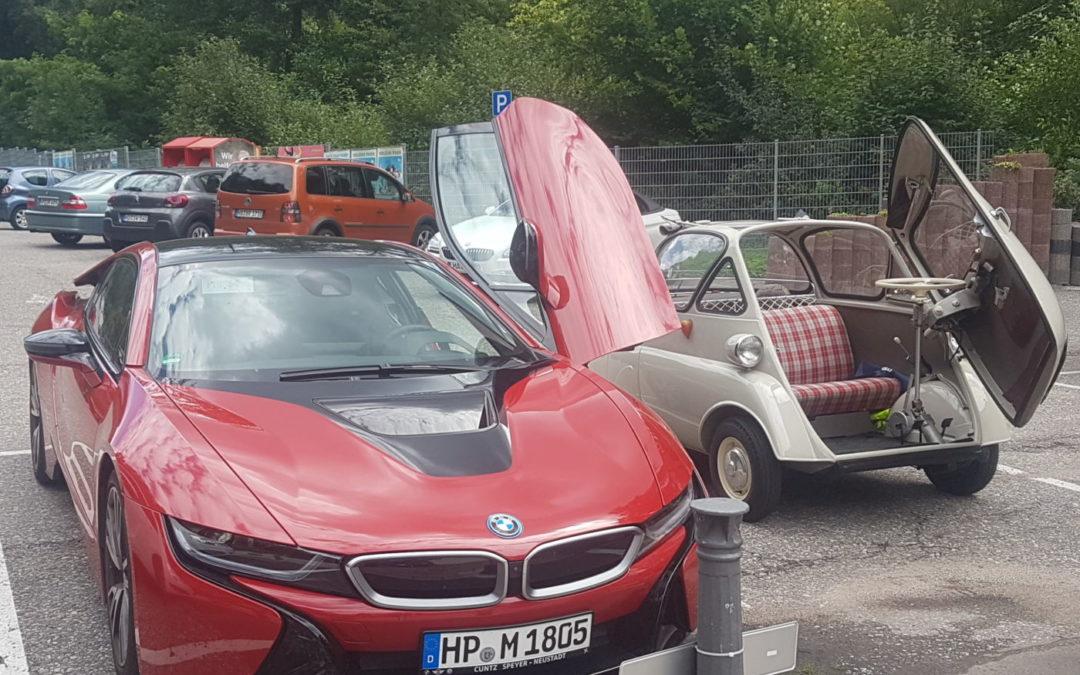 Zwei Notsitze mehr. Und man kommt ins Parkhaus